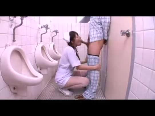 ディープスロートフェラで入院患者のチ○コ気持ち良くしてあげる痴女看護師